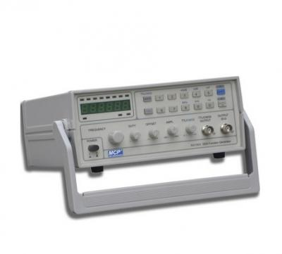 GENERATEUR DE FONCTIONS DDS SG1005 - 5MHZ